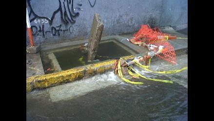 Robo de un medidor de agua generó gran aniego en el Cercado de Lima