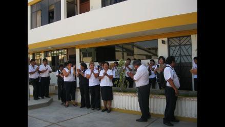 Lambayeque: Trabajadores protestan exigiendo cambio de funcionarios