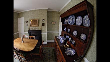 Celebran 200 años del nacimiento de Charles Dickens reabriendo su casa