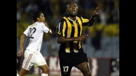 Peñarol golea 4-0 al Caracas en primera fase de la Copa Libertadores