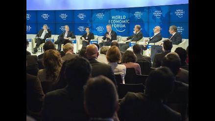 Davos: Bancos más grandes deben fraccionarse para salir de crisis