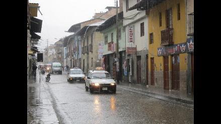 Calles de Cajamarca se inundan por fuertes lluvias