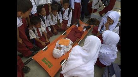 Realizan simulacro de terremoto y tsunami en escuelas de Indonesia
