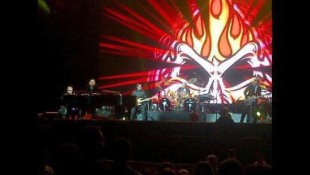 Perú: ´Tuiteros´ comparten primeras imágenes del concierto de Elton John