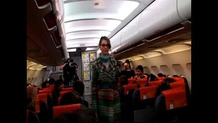 Desfile de ´altura´ en un avión de Madrid