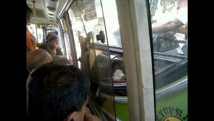 Lince: Por ganar pasajeros coaster puso en peligro vida de ciudadanos
