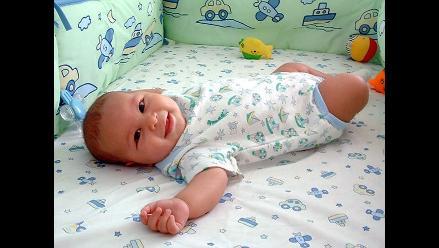 El 95% de los bebés que no gatean pueden tener pie plano
