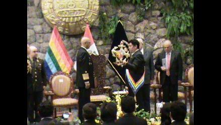 Cusco devuelve espada original de Miguel Grau a la Marina de Guerra