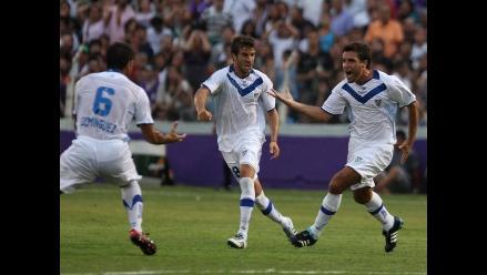 Vélez Sarsfield golea al Defensor Sporting en Montevideo por la Copa