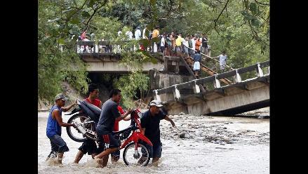 Problemas de transporte entre pueblos tras terremoto en Filipinas