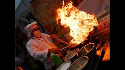 La comida china y el queso pueden causar migraña, advierten