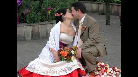 El 57% piensa que los peruanos son poco románticos, según encuesta