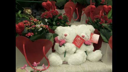 Sepa dónde comprar rosas rojas desde S/. 2.00 la unidad