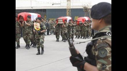 Sepultan restos de oficial del Ejército abatido por terroristas