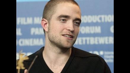 Robert Pattinson no se separa de su aura de vampiro