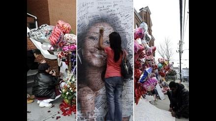 Fanáticos rinden tributo a Whitney Houston alrededor del mundo