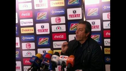 Entrenador del Morelia es denunciado por agredir a un fotógrafo