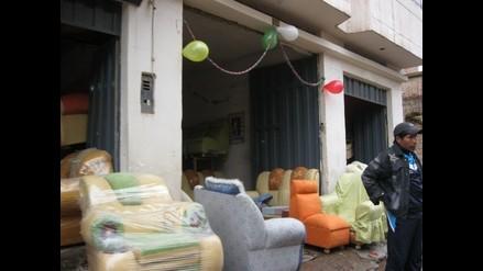 Puno: Adornan casas y negocios con flores y globos por carnaval