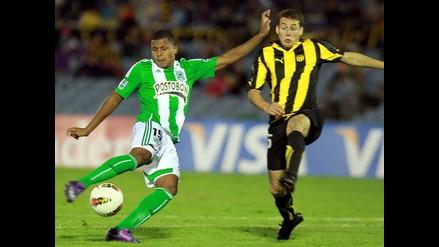 Atlético Nacional goleó 4-0 al Peñarol en el estadio Centenario