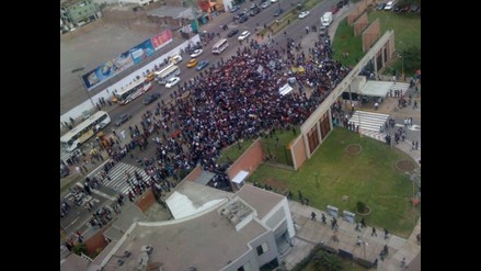Estudiantes defenderán autonomía de la PUCP tras decisión del Vaticano