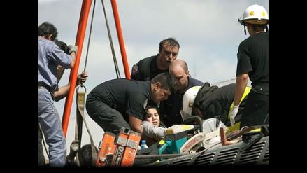 Captan escenas del rescate tras grave accidente de tren en Argentina