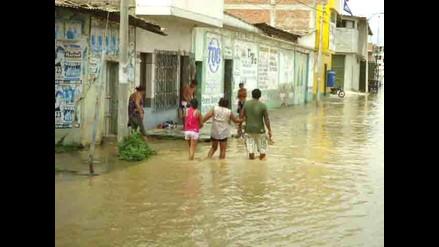 Desborde de río Tumbes inunda calles e impide tránsito vehicular