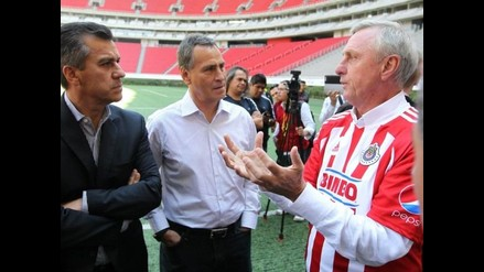 Johan Cruyff ya supervisa las prácticas de las Chivas de Guadalajara