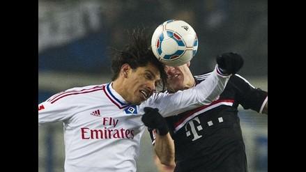 Paolo Guerrero es expulsado en dura derrota del Hamburgo ante Stuttgart