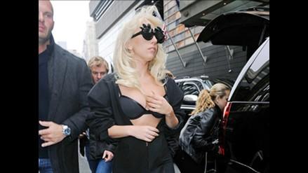 Lady Gaga paraliza calles de Nueva York con excéntrico look
