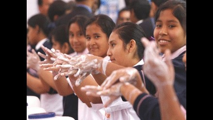 Perú gana récord Guinness por lavado de manos