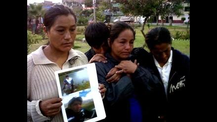 Madres de mineros atrapados en socavón piden ayuda a presidente Humala