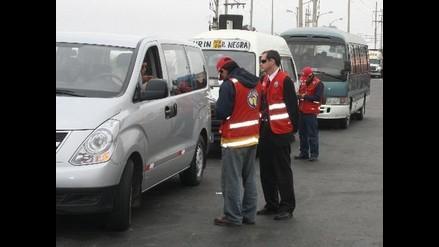 Gremios de transportistas protestan por medidas del MTC