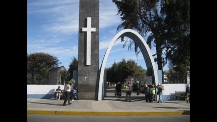 Arequipa: Sepultan restos de mujer asesinada
