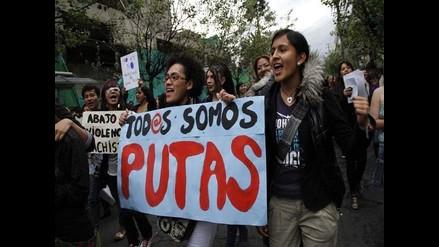 Mujeres de Ecuador exigen alto a la violencia en Marcha de las Putas