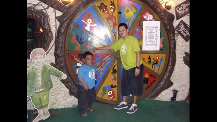 Hobbit House: restaurante atendido por personas diminutas en Filipinas
