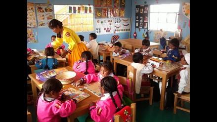 Amalia Suaña recibe a más de 50 niños en la escuela ´Sumita Corazón´