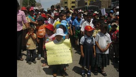 Chiclayo: Niños de Batangrande participan en protesta contra desalojo