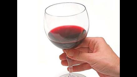 Estudio revela que alcohol ayuda a prevenir problemas mentales