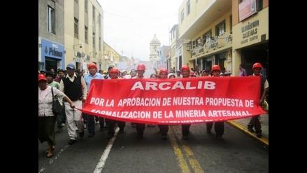 La Libertad: Mineros ilegales otorgan un día más de tregua a autoridades