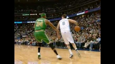 Vea el ´pase de desprecio´ del basquetbolista Danilo Gallinari en la NBA