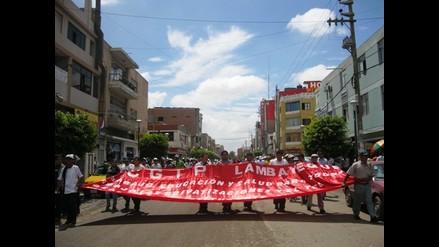 Lambayeque: Gremios protestan exigiendo mejoras laborales al Gobierno