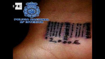 Detienen a bandas que tatuaban códigos de barras a víctimas en España
