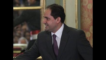Villena asegura estar facultado constitucionalmente para ser ministro