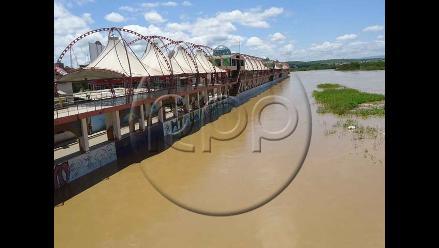 Crecida de río Tumbes amenaza con afectar a la Panamericana Norte