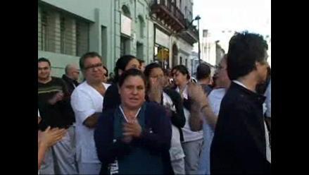 Enfermeros rechazan vinculación con asesinatos en hospital de Montevideo