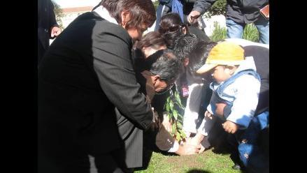 Cusco: Cenizas de Luis Figueroa fueron colocadas debajo de un capulí