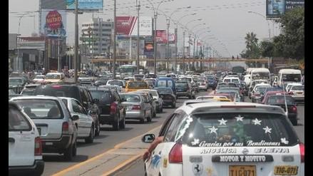 Choque múltiple crea congestión vehícular en la avenida Javier Prado
