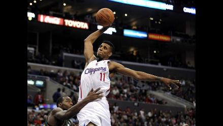 Los Angeles Lakers y los Clippers luchan por el liderato en la NBA