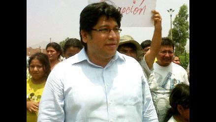 Comisión de Educación rechazó pedido de renuncia a Rennán Espinoza