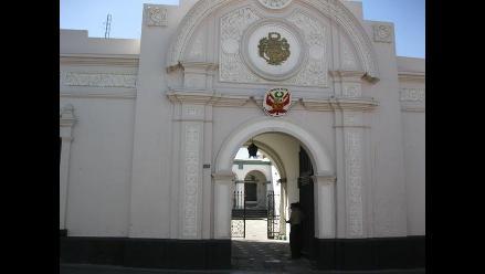 Nuevo gobernador de Arequipa asumió el cargo